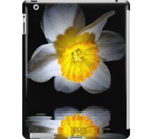 Reflection of a Daffodil iPad Case/Skin