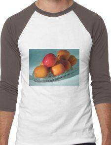 Dish of Delicious Apricots Men's Baseball ¾ T-Shirt