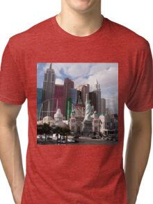statue of liberty in city Tri-blend T-Shirt