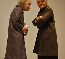 ron mueck: two women by gary roberts