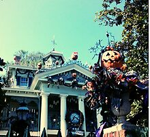 Haunted Mansion Holiday - Nightmare Before Christmas by MonBonbon