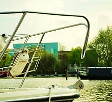 Boat on Brayford Wharf by meganmace
