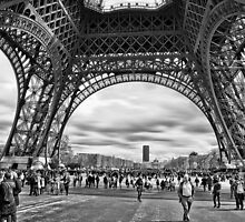 Under the Eiffel Tower by ea-photos