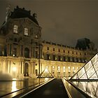 Louvre love by Smarney