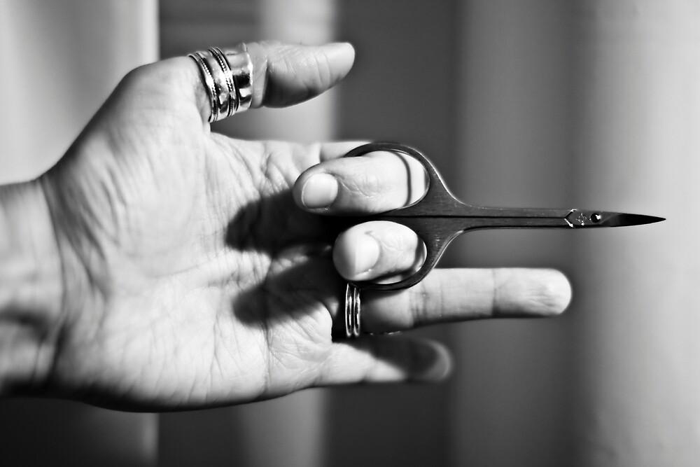 Cut my nails by ValeskaE