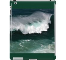 A big Atlantic Ocean wave iPad Case/Skin