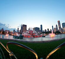 A fisheye view of Buckingham fountain at dusk by Sven Brogren