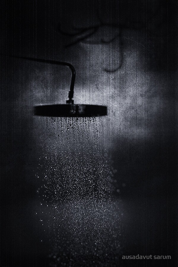 Take a bath at midnight by ausadavut sarum