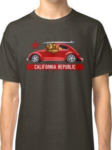 California Republic Surfing Bear (vintage distressed look) Classic T-Shirt