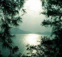 Sun setting - South China Sea by NicoleA