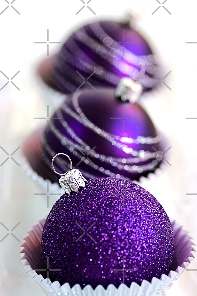 Christmas Purple Bauble Cupcakes by Joy Watson