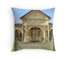 Cottage with a difference - Williamstown Throw Pillow