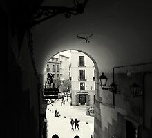 Down the archway by Esther  Moliné