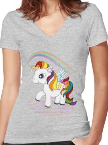 Rainbow Unicorn .. tee shirt Women's Fitted V-Neck T-Shirt