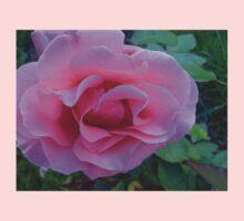 Rose Petal Lips Kids Tee