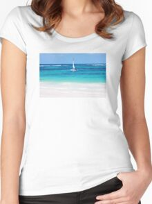 Yacht at tropical sandy beach in Anse Georgette, Praslin island, Seychelles  Women's Fitted Scoop T-Shirt