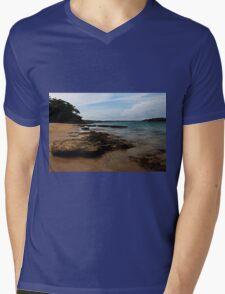 Bundeena, NSW Mens V-Neck T-Shirt