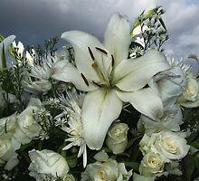 Outdoor wedding flowers by Teresa Schultz