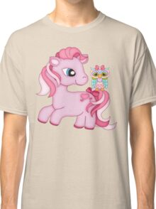 Pretty in Pink .. the pony and the owl Classic T-Shirt