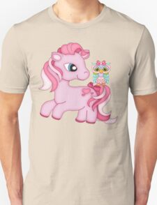 Pretty in Pink .. the pony and the owl Unisex T-Shirt