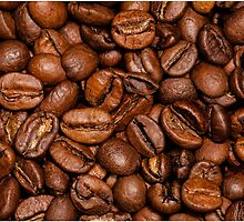 Shiny brown coffee beans by PLdesign