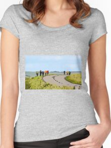 Hiking the Brecon Beacons Women's Fitted Scoop T-Shirt