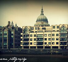 Saint Pauls Cathedral by Luke Pearce