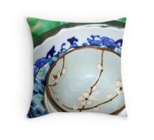 blue bowls Throw Pillow