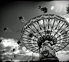 'Swinger' ride - Kalgoorlie-Boulder Community Fair by Melissa Drummond