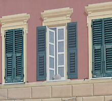 "Camogli, A typical ""Trompe l'oeil"" by presbi"