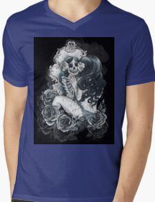 in her reflection Mens V-Neck T-Shirt