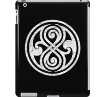 Seal of Rassilon - Classic Doctor Who - White on Black (Distressed) iPad Case/Skin