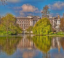 Buckingham Palace. View from St James Park. London by vadim19