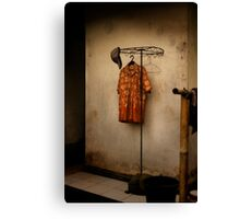 Orange shirt Canvas Print