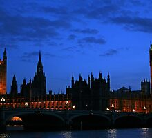 Nightime Westminster by Tony Steel