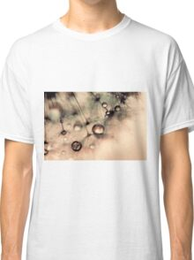 Droplets of gold Classic T-Shirt