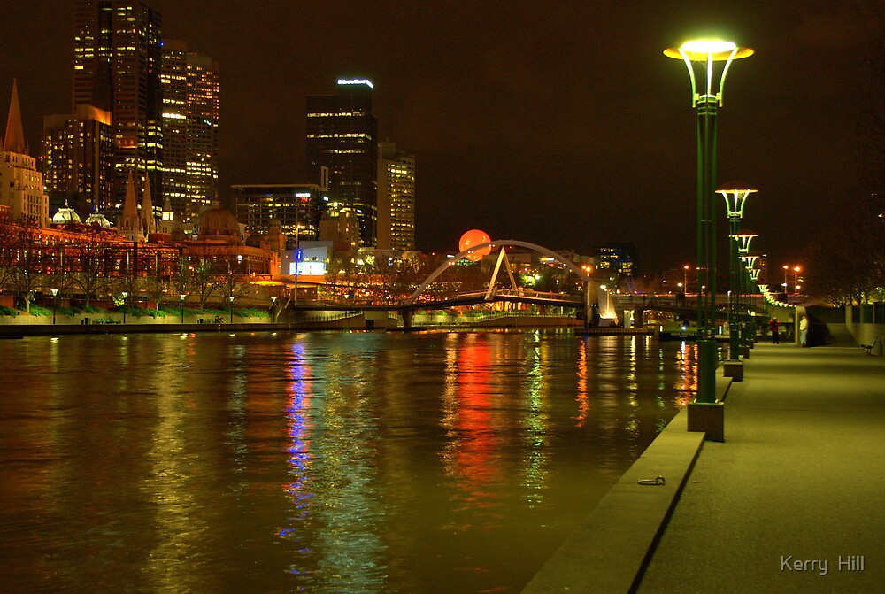 Melbourne at night by Kerry  Hill