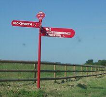 Red post to Botany Bay Farm. by David Smith