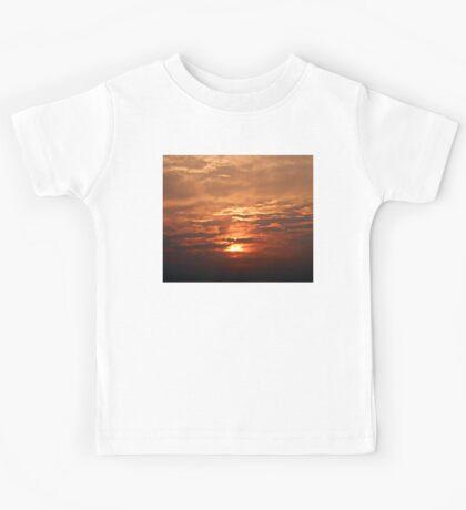 ©TSS The Sun Series LVII IA. Kids Tee