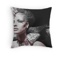 Manequin show 2 Throw Pillow