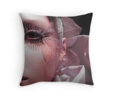 Manequin show 6 Throw Pillow