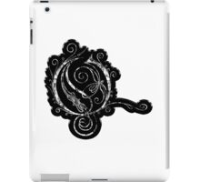 LATTICE LETTER O - black metal distressed sticker iPad Case/Skin