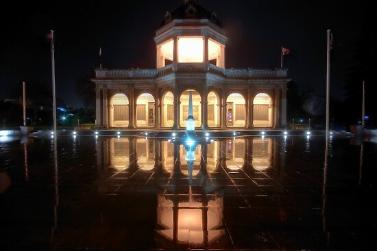 Bendigo Remembers by Rikki  Pool