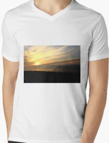 Reaching The Clouds At Jurassic Coast, Dorset Mens V-Neck T-Shirt
