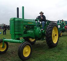 Old Tractor John Deere by Feesbay
