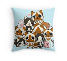 Airou & Merorou Monster Hunter cats Throw Pillow