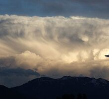 Tidal Wave in the Sky ~ Cloud Formation by Jan  Tribe