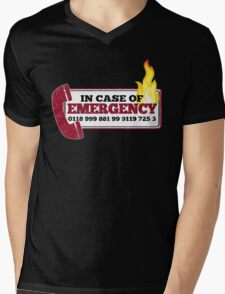 It Crowd Inspired - New Emergency Number - 0118 999 881 99 9119 725 3 - Moss and the Fire Mens V-Neck T-Shirt