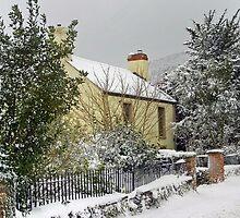 Winter Cottage by missmoneypenny