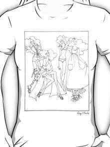 """Helga's Fashion Mannequins Series Poster 4 Bikini""© T-Shirt"
